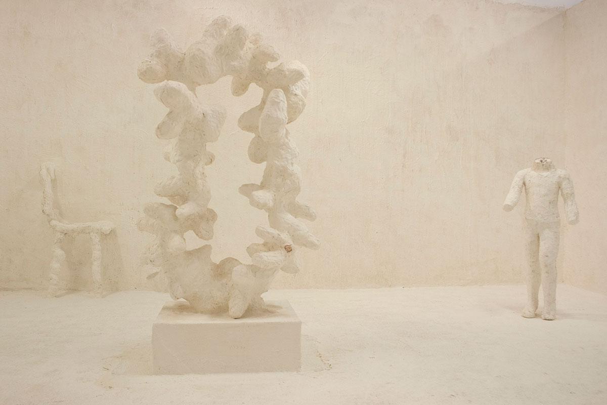 sculpture of sculpture